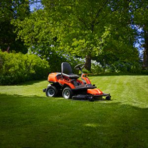 Ride-on Lawnmowers & Tractors